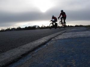 Alastaron moottoriradalla ajetaan yleensä hevosvoimin - juhannuksena 60 pyöräilijää ajoi radalla vuorokaudessa yhteensä 12 300 kilometriä.