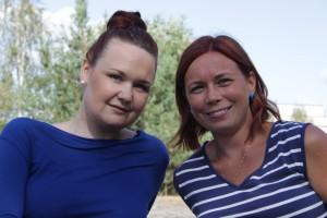 Musiikki on tärkeä vapaa-ajan harraste Sanna Lehdelle ja Minna Grön-Uusitalolle. Naisten duo on perustettu maaliskuussa. Kuva: Maija Paloposki.