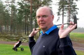 Golfmestaruuskisoihin osallistuneen Hannu Laakson mukaan Loimaa on vireä golfpaikkakunta, jossa puitteet harrastamiselle ovat kunnossa. Kuva: Kiti Salonen