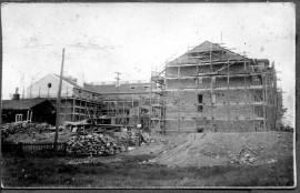 Loimaan maamieskoulu rakennettiin vuonna 1930. Kuva on Pentti Mäkilän albumista.