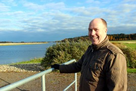 TSV:n laitospäällikkö Kari Pinnola sanoo, että tekopohjavesilaitos ottaa käyttöönsä nyt 0,7 prosenttia Kokemäenjoen virtaamasta.