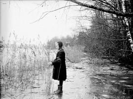 Nikolauksen odotettiin sitovan maan ja vedet jääkahleisiin. Kuva Lempäälän Mäyhäjärveltä 1950-luvun alusta. Kuva kuuluu Suomen maatalousmuseo Saran kokoelmiin. Kuva: Väinö Niemi
