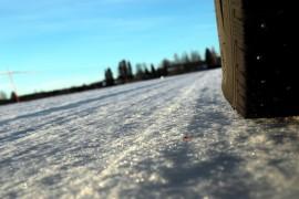 Metsämaantiellä on pitänyt tänä talvena usein ajella kieli keskellä suuta. Kuva: Pasi Salo