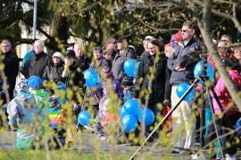 Lasten vapun väri oli tänä vuonna LähiTapiolan ilmaispallojen sininen.