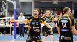 ... ja vielä väitetään, ettei suomalainen mies osaa näyttää tunteitaan - ainakin huippu-urheilijat osaavat. Kuva: Juuso Riponiemi