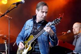 Matti Nurro on toiminut Miljoonasateen kitaristina bändin perustamisesta lähtien. Kuva: Maija Paloposki