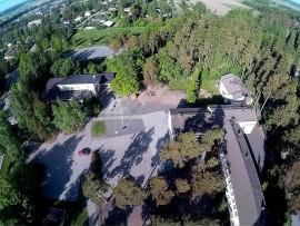 Hirvikoski: kirjasto ja koulu.