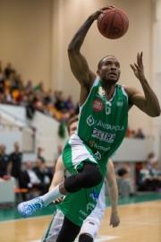 Viime kauden Tapiolan Hingassa pelannut Ike Udanoh palaa Bisonsiin.