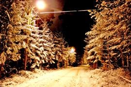 Valaistu ja talvinen pururata toi mieleen jouluisen tunnelman. Kuva: Tiina Naula