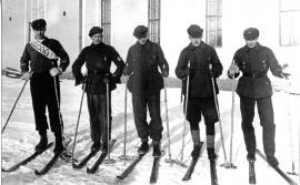 Loimaan suojeluskunnan joukkue Turku-Loimaa-maakuntaviestissä vuonna 1936. Onni Mattila, Pentti Elomaa, Aarne Nikkilä, Toivo Jaakkola ja Vinö Houkka.