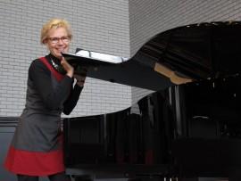 Kaija Huhtanen haluaa avata musiikin kaikelle kirkkokansalle.