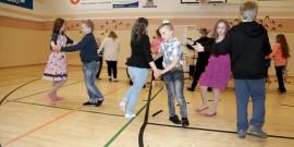 3-6-luokkalaiset tanhusivat Hh hah hei!:n tahdissa. Kuva: Sampsa Hakala