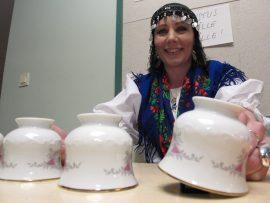 Mitä paljastuu Esmeraldan teekupeista?