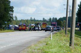Liikenne oli onnettomuuspaikalla poikki noin puoli tuntia. Kuva: Simo Päivärinta