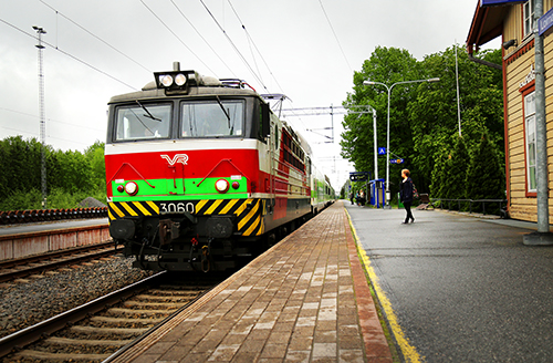 Junat eivät pysähdy Loimaan asemalla tänään tiistaina veturimiesten työnseisauksen takia.