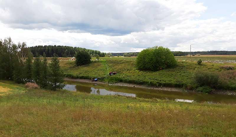 Paimionjoessa vesiraja on painunut kauaksi normaalista. Kuva: Ilkka Myllyoja.